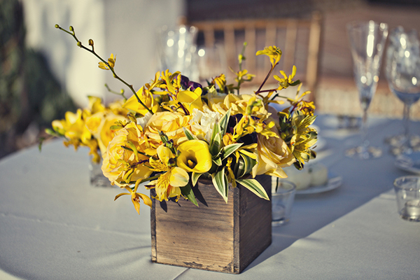 wedding_yellow_orchid_arrangement.JPG