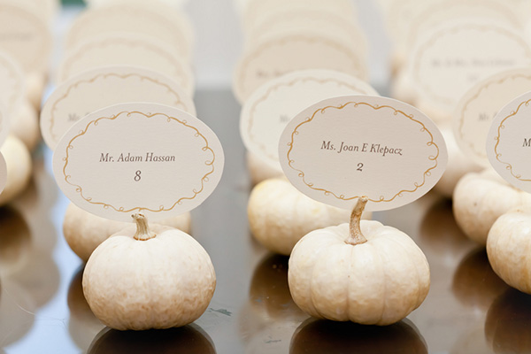 white_pumpkin_table_place_cards.jpg