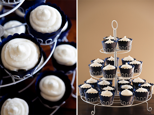 wedding_white_navy_cupcakes.jpg