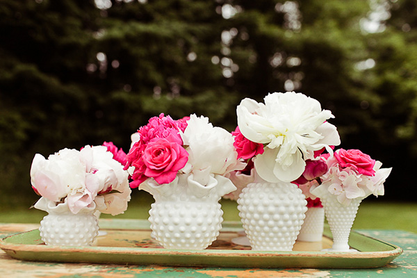 StyledVintageGardenWedding_xx_Kaylee_Eylander_Photography_PinkVintageWedding28_low.jpg