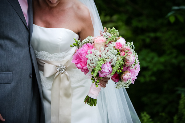 Pink & pastels brides bouquet